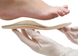 Плоскостопие и другие виды деформаций ног. Как лечить?